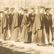 women-graduation